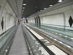 corridor-727359__180
